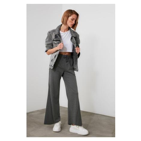 Spodnie damskie Trendyol Detailed