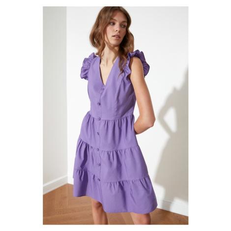 Sukienka z guzikiem z fioletowym kółkiem zamachowym Trendyol