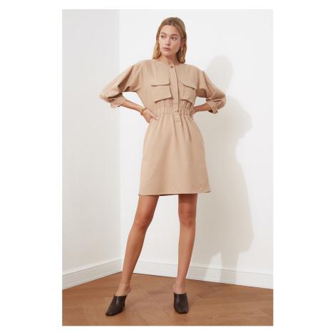 Sukienka kieszonkowa Trendyol Mink
