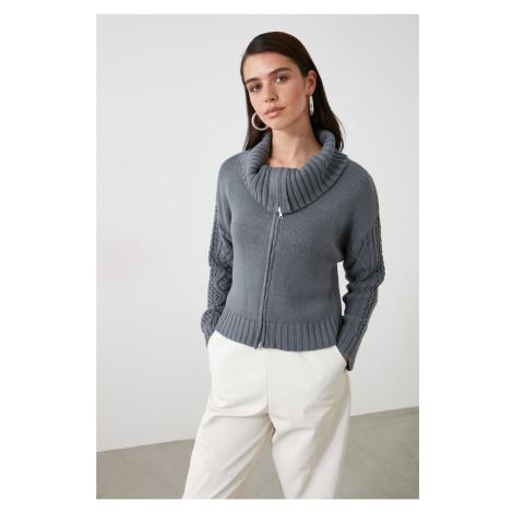 Sweter z dzianiny Trendyol z szarą siateczkową detalem